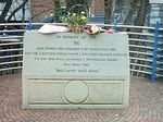 300px-Hillsborough_Memorial.jpgひげきの記念碑.jpg